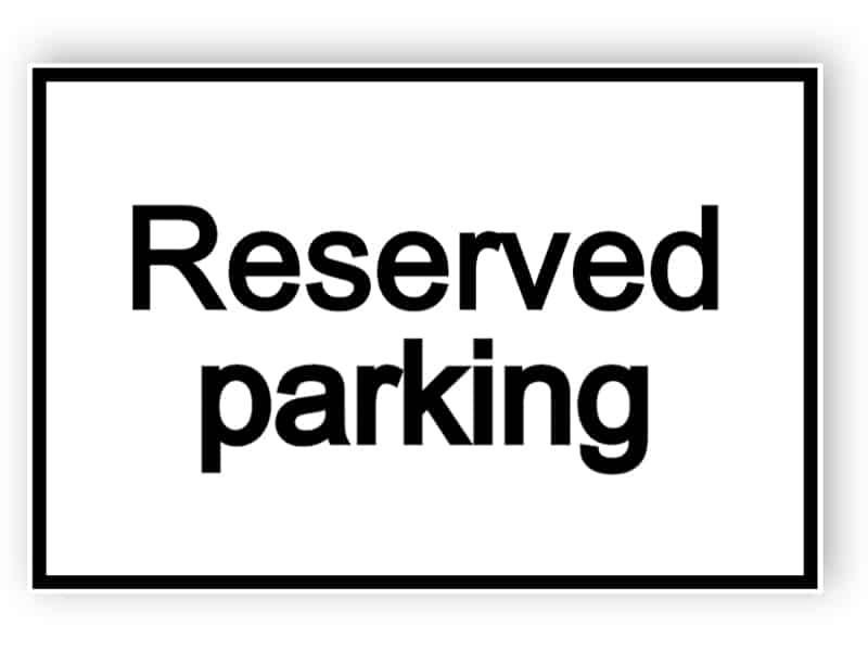 Reserverad parkering - vit skylt